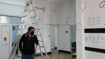 """Cum pot fi convinsi oamenii sa se vaccieze prin arta. Graficianul Dan Perjovschi a """"desenat"""" centrul de vaccinare din Fierbinti"""