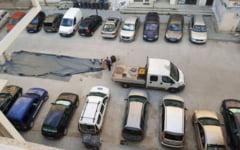 Cum preveniti furturile din masini. Politie: inscriptionati numarul de inmatriculare pe casetofon sau pe baterii