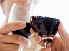 Cum protejeaza vinul rosu inima si prelungeste viata?