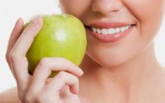 Cum putem trata natural problemele gingivale. Plantele care ne pot proteja intreaga dantura