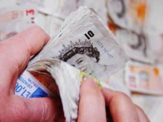 Cum puteti sa castigati pariind pe deprecierea lirei sterline