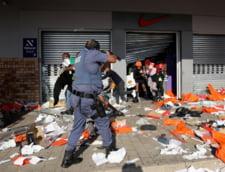 Cum s-a ajuns la anarhie, jafuri si un masacru cu peste 200 de morti in Africa de Sud. Scanteia: condamnarea fostului presedinte FOTO