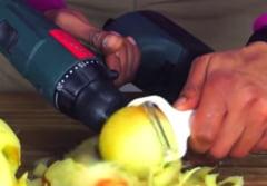 Cum sa cureti coaja merelor in cateva secunde (Video)
