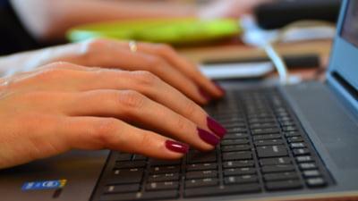 Cum sa fii in siguranta pe Net: Un hacker te invata cum sa ai o parola sigura si cum sa o tii minte