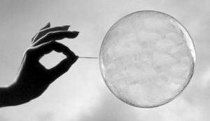 Cum sa iesim din bulele narcisice in care ne baga Internetul?