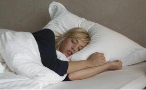 Cum sa iti aranjezi dormitorul pentru a te odihni cel mai bine