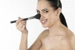 Cum sa te machiezi pentru a-ti micsora nasul