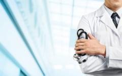 Cum se amuza romanii pe seama halatelor albe: bancuri cu si despre medici