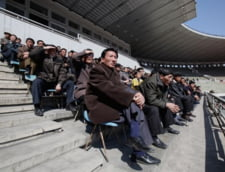 Cum se desfasoara un meci de fotbal in Coreea de Nord (Galerie foto)