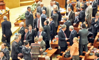 Cum se suceste puterea in Parlament - dictatura traseismului si schimbarea lui Boc