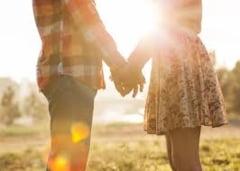 Cum sunt romanii care isi fac cont pe site-urile de dating online - Diferente intre barbati si femei