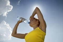 Cum te ajuta apa in cura de slabire