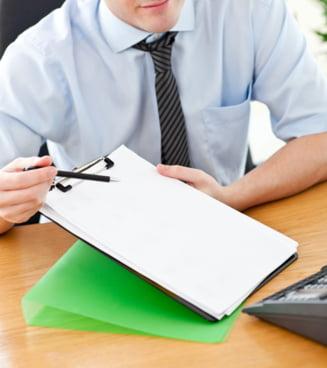 Cum te ajuta banca sa ii platesti ratele la credit?