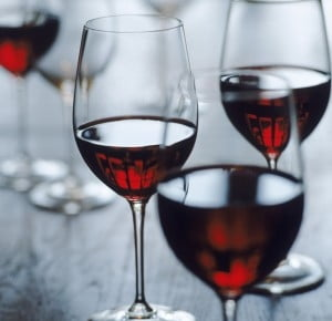 Cum te face vinul rosu mai barbat - studiu