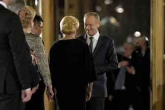 """Cum vad polonezii discursul lui Tusk de la Ateneu. Intre Bucuresti si Varsovia, """"magar de magar se scarpina"""" Interviu"""