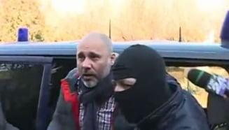 Cumnatul lui Ponta, Iulian Hertanu, retinut de DNA (Video)