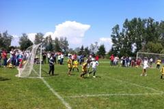 """Cupa """"Ioan Voicu-Vulcanean"""" - turneu de fotbal la Brasovia"""