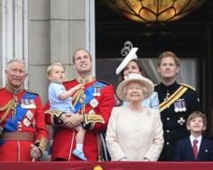 Curiozitati despre regina Marii Britanii: 90 de ani in 90 de secunde (Foto&video)