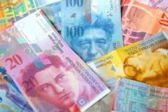 Curs de 2,1 lei pentru franc elvetian si conversie in moneda nationala. Decizie la Tribunal intr-un proces deschis pentru clauze abuzive intr-un contract de credit