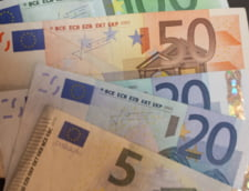Curs valutar: Doar euro creste usor, dolarul scade