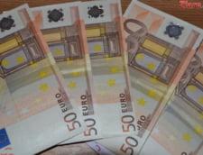 Curs valutar: Euro creste, iar aurul este la cel mai slab nivel din ultimul an