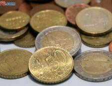 Curs valutar: Euro creste foarte putin