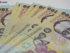 Curs valutar: Euro scade putin, iar dolarul creste