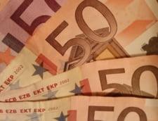 Curs valutar: Euro scade spre pragul de 4,65 lei
