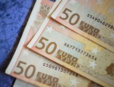 Curs valutar: Euro scade usor, dar tot ramane aproape de pragul de 4,6 lei