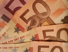 Curs valutar: Euro trece iar de pragul de 4,55 lei