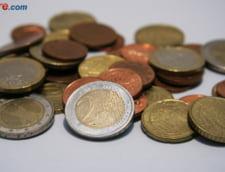 Curs valutar: Leul, ingenuncheat la final de saptamana. Euro si dolarul continua cresterea