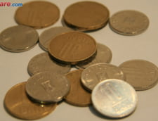 Curs valutar: Leul pierde putin teren fata de euro, dolar si lira