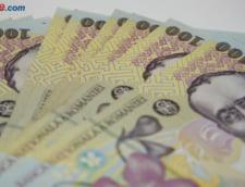 Curs valutar: Leul sta bine azi doar in fata dolarului. Euro trece iar de 4,55 lei