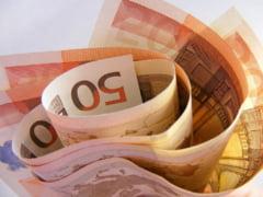 Cursul valutar la inceput de saptamana: Euro, la un pas de cea mai ridicata valoare din istorie in raport cu leul