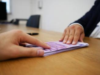 Curtea Constitutionala urmeaza sa analizeze modificarile la Legea darii in plata, care permit reechilibrarea contractelor de credit