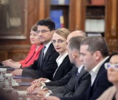 Curtea de Apel Cluj a votat cu 24 voturi la 23, revocarea Liei Savonea din CSM, dar cererea a fost respinsa din cauza unei abtineri
