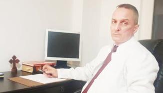 Curtea de Arges. Managerul Spitalului Municipal, Bogdan Georgescu, schimbat din functie de primar