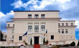 Curtea de Conturi semnaleaza nereguli la CNADNR si Tarom: Bani cheltuiti ineficient si ilegal
