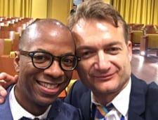 Curtea de Justitie a UE a decis ca Romania trebuie sa-i recunoasca drept soti pe cei doi barbati casatoriti in Belgia