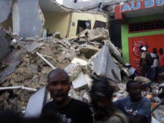 Cutremur devastator in Haiti: numeroase cladiri s-au prabusit