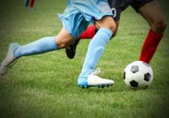 Cutremur in fotbalul romanesc: Jucatori, antrenori, conducatori, arbitri si observatori joaca la pariuri