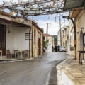Cutremur puternic în Creta. O persoană a decedat și alte două blocate, după prăbușirea unor clădiri