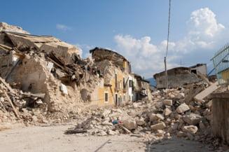 Cutremurul din Albania: Primele arestari dupa prabusirea unor cladiri construite ilegal. Persoanele sunt acuzate de crima