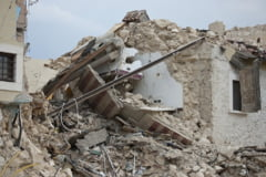Cutremurul din Indonezia a ingropat victimele sub cladiri: 30 de oameni au murit