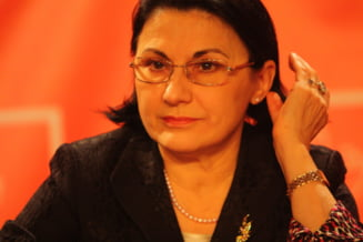 "D-na Andronescu, ""grajdan"" sau profesor? (Opinii)"