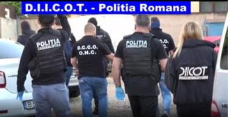 DIICOT face zeci de descinderi la o retea de traficanti de carne vie si tigari din Vrancea, Bacau si Suceava
