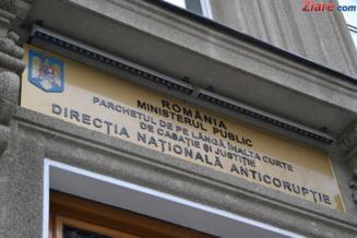 DNA: Directorul ADP Sector 1, trimis in judecata pentru luare de mita, iar un consilier PNL pentru marturie mincinoasa