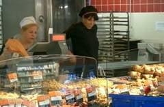DSP confirma: Salmonella la Auchan Constanta, 18 oameni au ajuns la spital