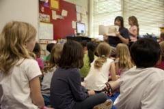 DSP recomanda scolilor aflate in scenariul 2 ca schimburile de elevi sa se faca la doua saptamani