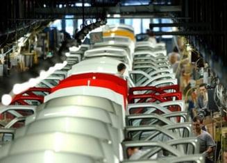 Dacia Logan si Nokia au salvat exporturile Romaniei